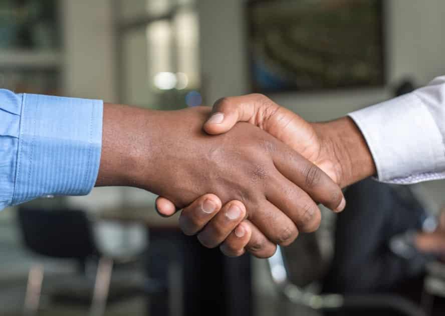web サービス 起業 人脈