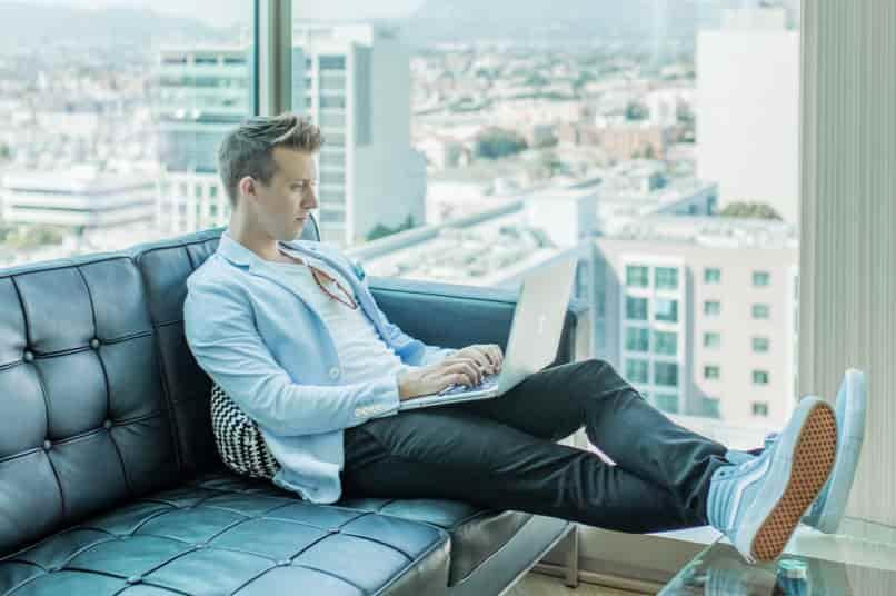 起業 失敗談 から 学ぶ 原因 放漫経営