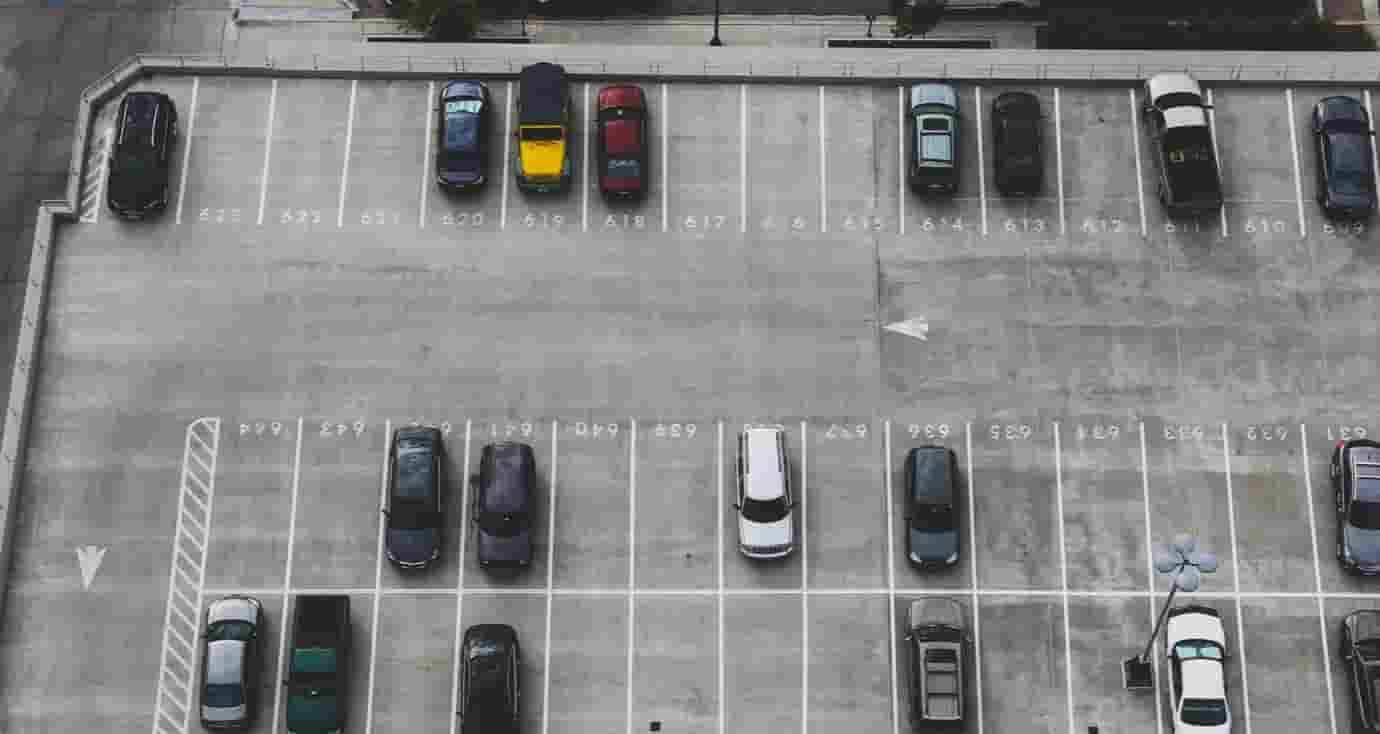起業 アイデア 駐車場