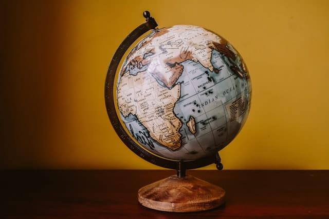 年商とは 補足:海外在住の場合、どの国に消費税を納めるのか?