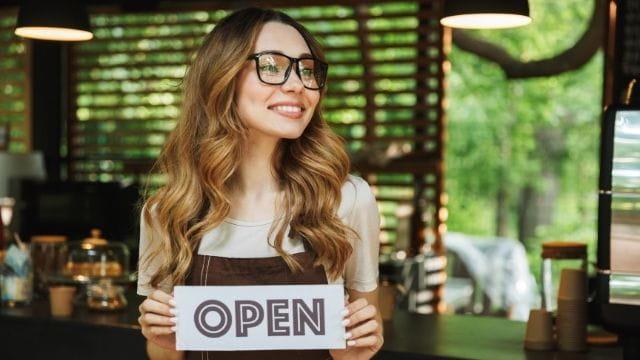 カフェ経営 1から自力で開業する